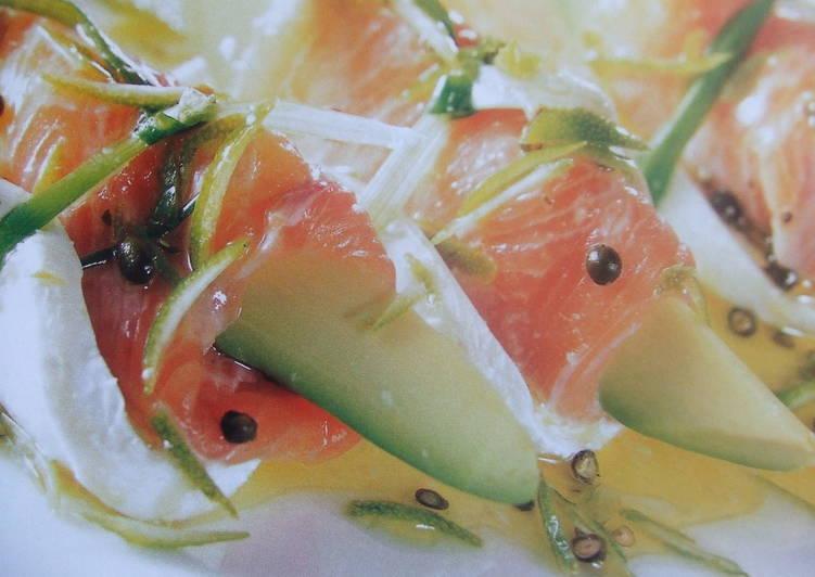 Ensalada de aguacate y salm n con mozzarella receta de - Ensalada de aguacate y salmon ahumado ...