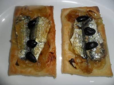 Mini tartas de hojaldre con sardinas