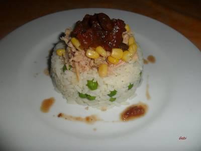 Timbal de arroz con atún y chutney de tomate