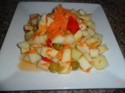 Ensalada dietética con frutas