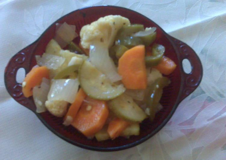 Chiles y verduras en escabeche Receta de lenny - Cookpad
