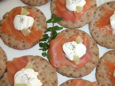 Canapés de salmón escocés con lima