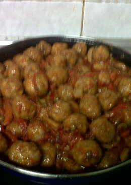 Albóndigas tradicionales con verduras