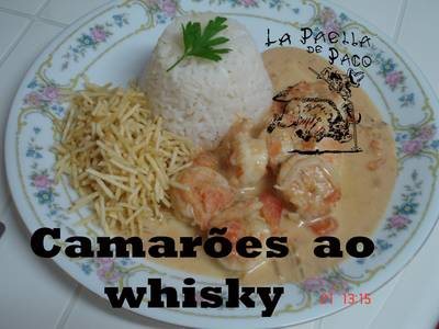 Camarões ao whisky