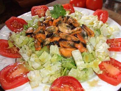Ensalada de mejillones con vinagreta de mostaza