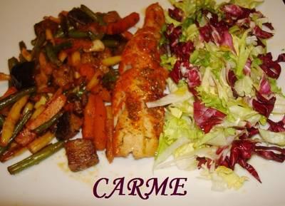 Filete de abadejo con verduras y ensalada