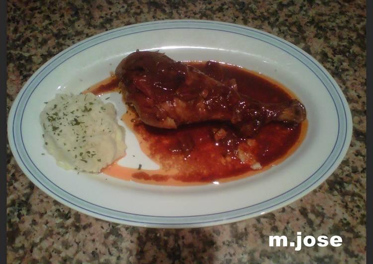 cocinar muslos de pavo en salsa