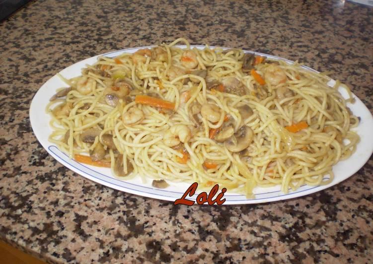 Espaguetis con setas gambas y zanahoria receta de - Espaguetis con gambas y champinones ...