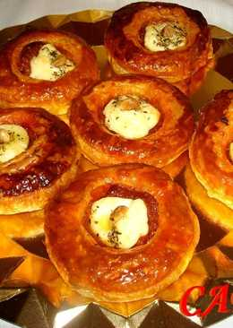 Tartas de hojaldre con sobrasada y queso brie