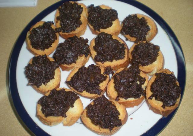 Canap s de morcilla con cebolla caramelizada receta de for Canape de pate con cebolla caramelizada