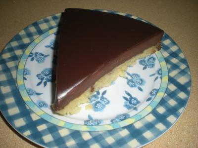 Tarta de chocolate con bizcocho casero