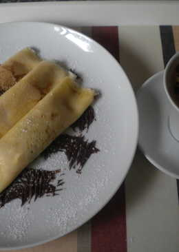 Crepes con crema y chocolate