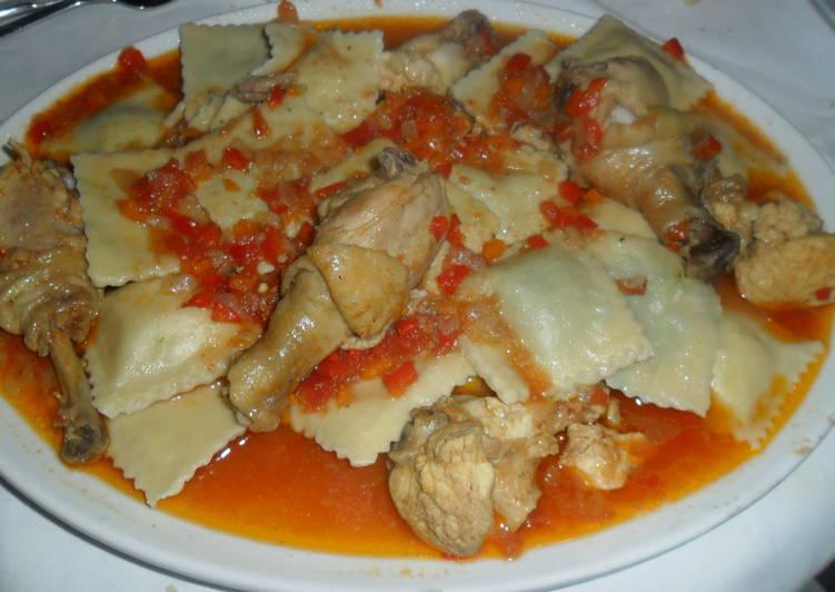Pollo en salsa de tomate al comino receta de gabriela diez - Que hago de comer rapido y sencillo ...