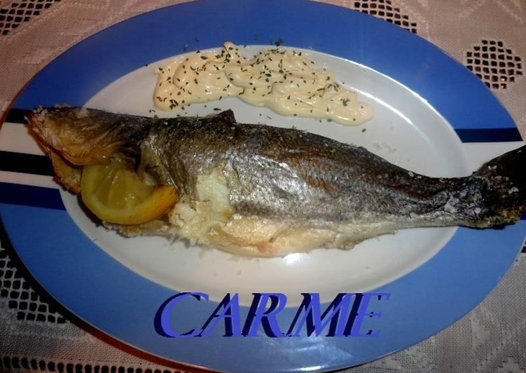 Lubina a la sal receta de carme castillo cookpad for Salsa para lubina a la sal