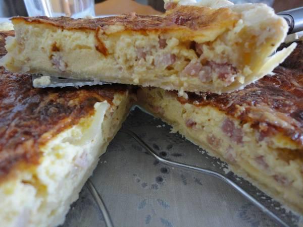 Tarta salada de bacon y queso cremoso