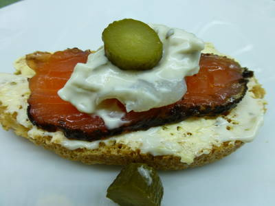 Canap s de salm n ahumado receta de marieta cookpad for Canape de salmon