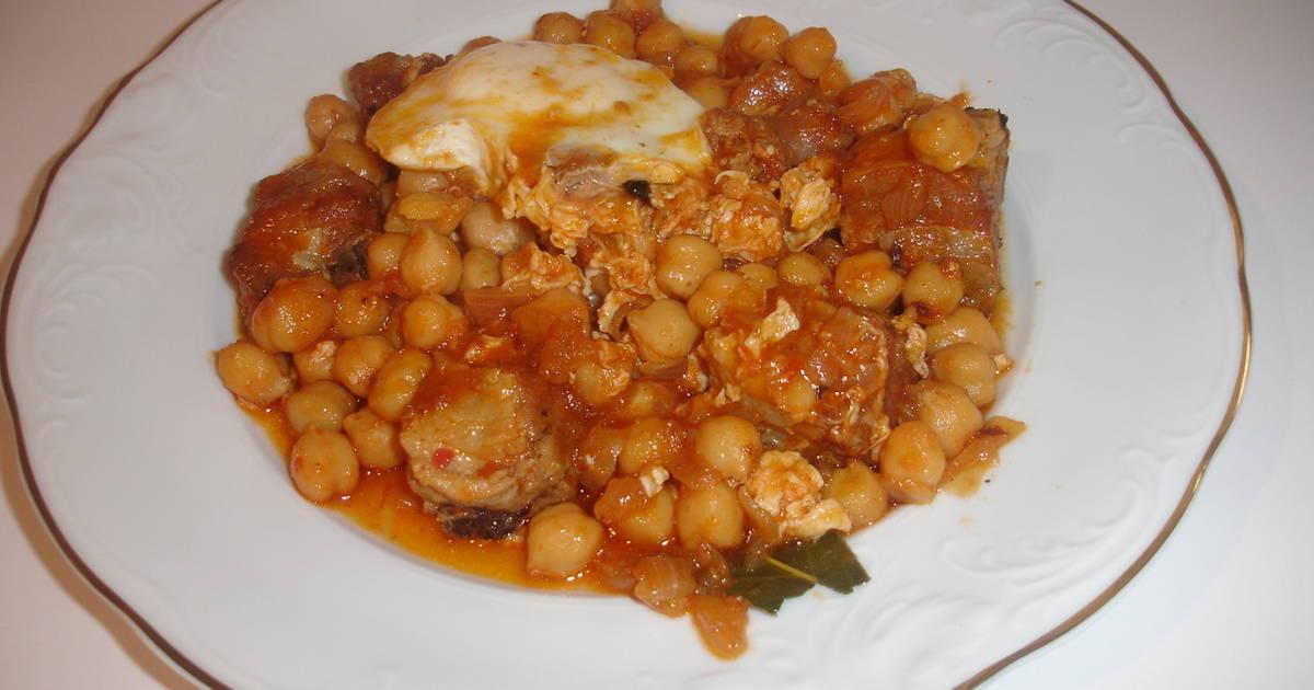 Guiso de garbanzos costillas longaniza y huevo receta de - Garbanzos con costillas ...