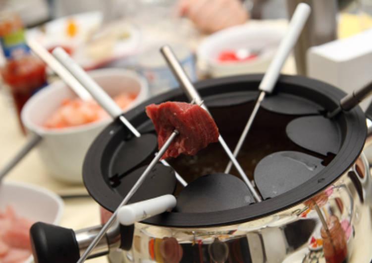 Científicos de la Universidad de Massachusetts dice que el mejor día para comer fondue de carne es el 14 de Julio.
