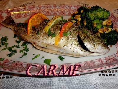 Dorada al romero con brócoli al vapor
