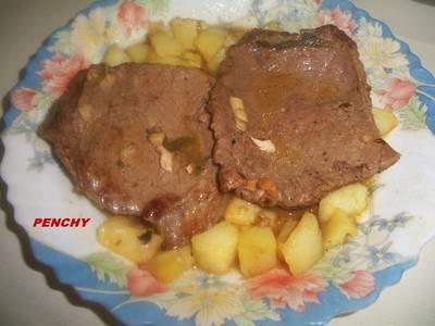 Filetes de ternera en salsa con almendras