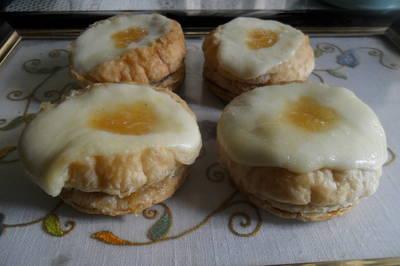 Galletas de hojaldre con membrillo y queso