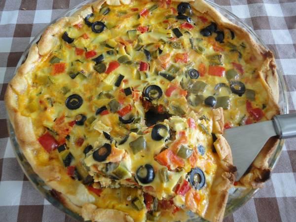 Tarta de verduras con aceitunas y mozzarella