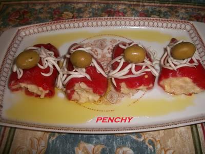 Pimientos del piquillo rellenos de ensaladilla murciana con gulas