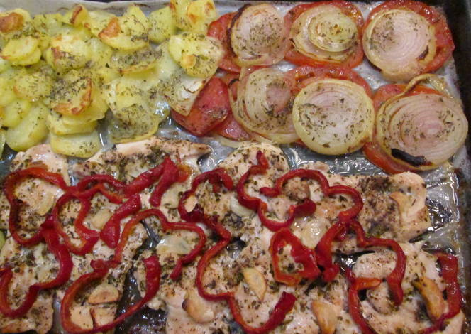 Pechugas de pollo al horno con patatas y verduras receta - Pechugas de pollo al horno con patatas ...