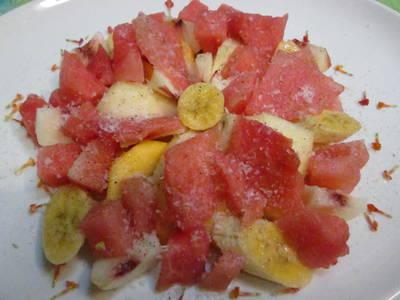 Ensalada especiada de frutas de estación