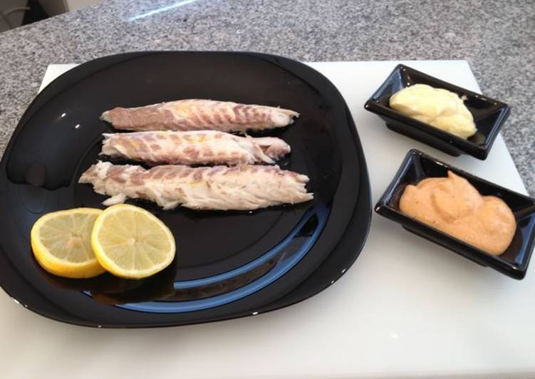 Lubina a la sal con salsa de almendras receta de for Salsa para lubina a la sal