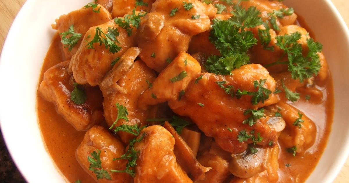 Pechugas de pollo con champi ones al aroma de piment n - Como hacer nata para cocinar ...