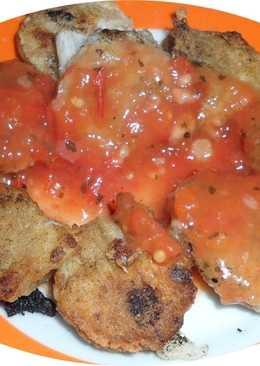 Bizcochos de coliflor con salsa de tomate