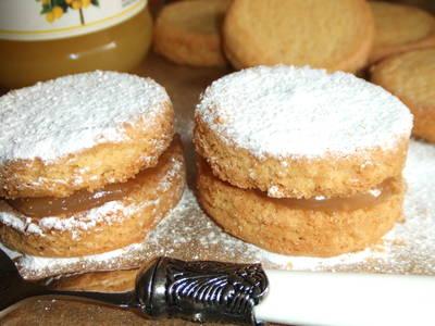 Pastas de mantequilla rellenas de lemon curd