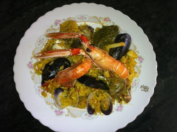 Paella de marisco y verduras