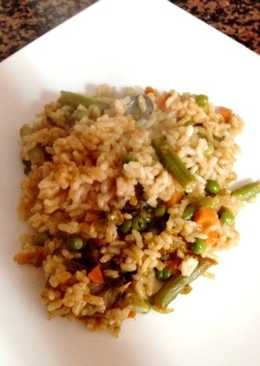 Paella de verduras variadas fácil y rápida