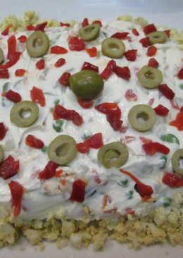 Mayonesa de ave con huevos y aceitunas