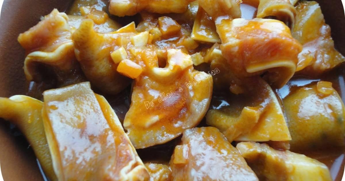 Oreja de cerdo en salsa receta de rebekita cookpad for Cocinar patas de cerdo