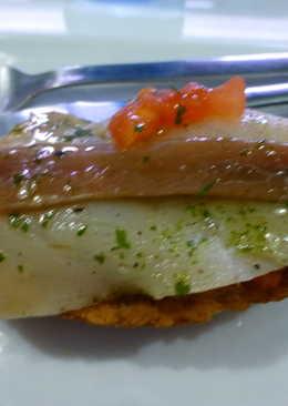 tapas de salmon ahumado y anchoas