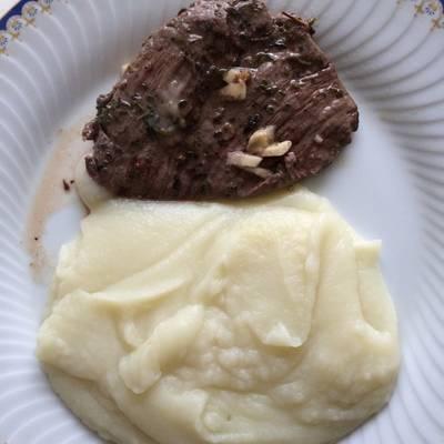 Carne a la plancha con ajo y perejil