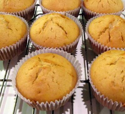 Magdalenas con aceite (Muffins, Cupcakes) rellenas de dulce de leche