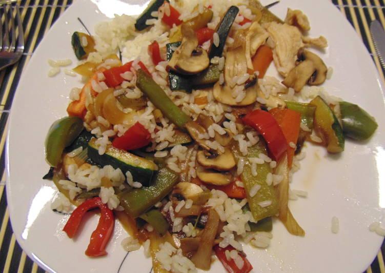 Wok de verduras con arroz y pollo f cil receta de for Cocinar 2 tazas de arroz
