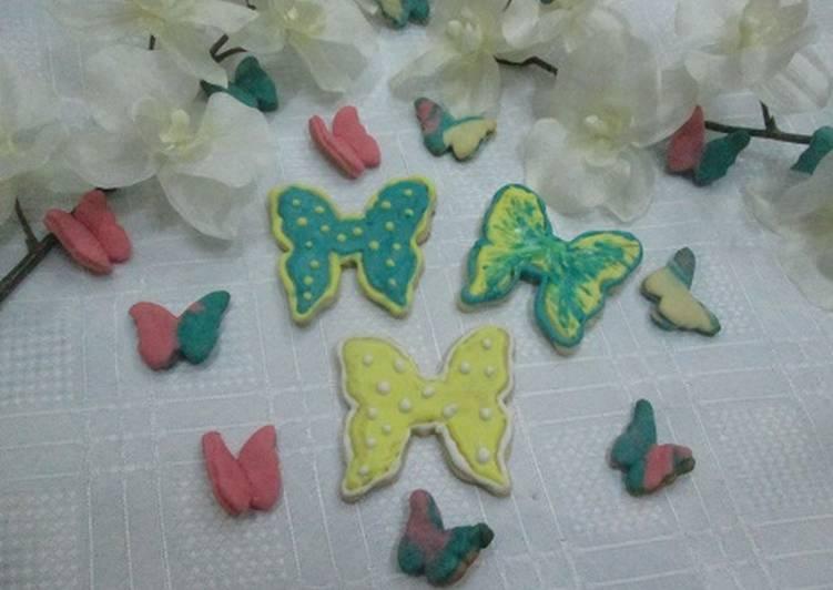 Galletas Mariposas Punteadas Receta De Gabriela Diez Cookpad