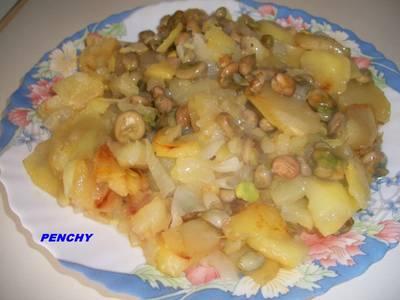 Patatas a lo pobre con habas tiernas