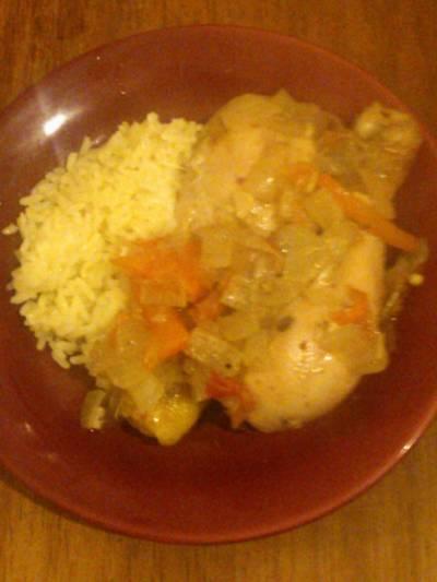 Pollo a la cebolla con arroz blanco