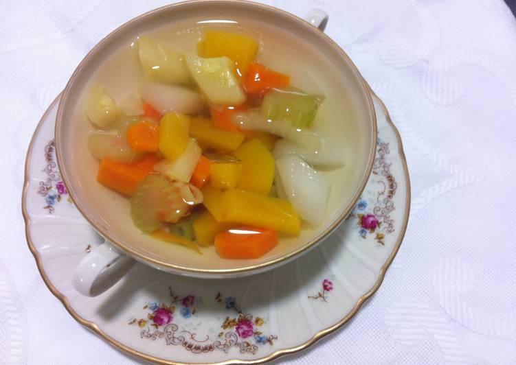 Consomé con verdura