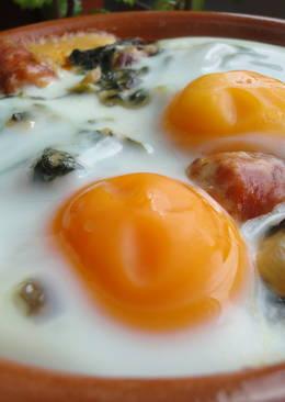 Cazuela de nabizas con huevos y txistorra