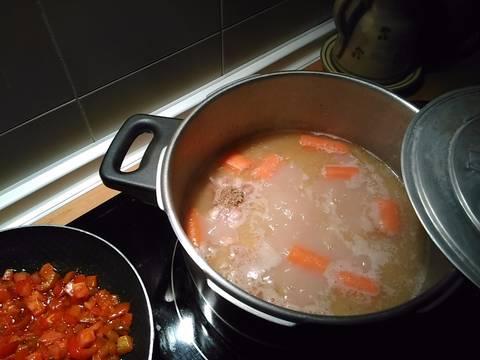 Judias pintas con manitas de cerdo receta de escamochao81 - Judias pintas con manitas ...