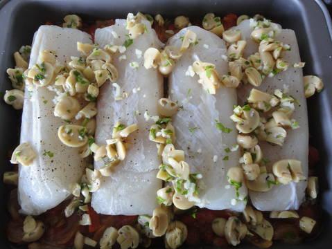 Recetas lomos merluza con pimientos y champi ones la - Cocinar lomos de merluza ...