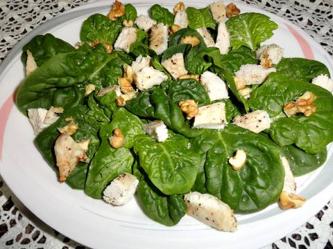 Ensalada de espinacas con peras y pollo Receta de carme