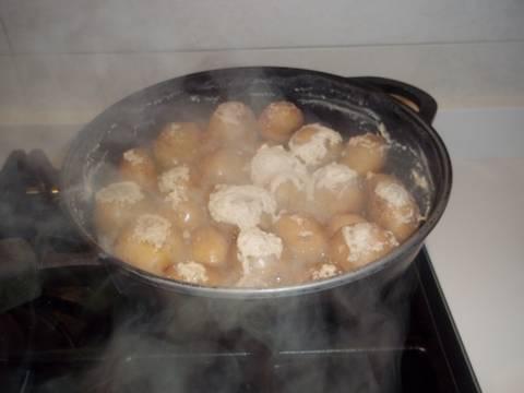 Cocer las patatas con piel receta de kiko cookpad - Tiempo de cocer patatas ...